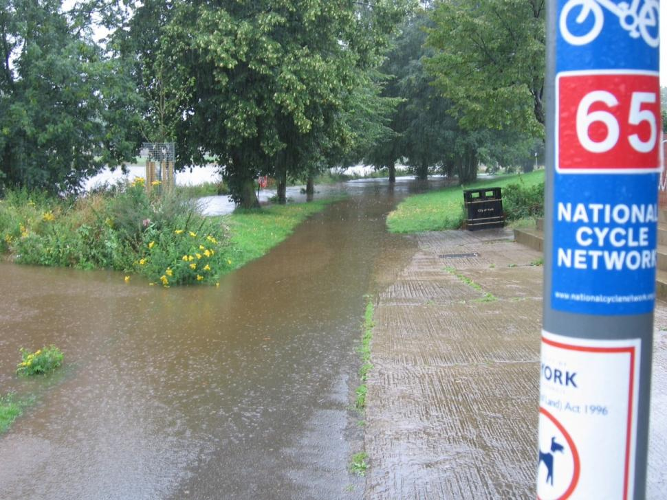 Flooding on National Cycle Network (Sustrans).jpg