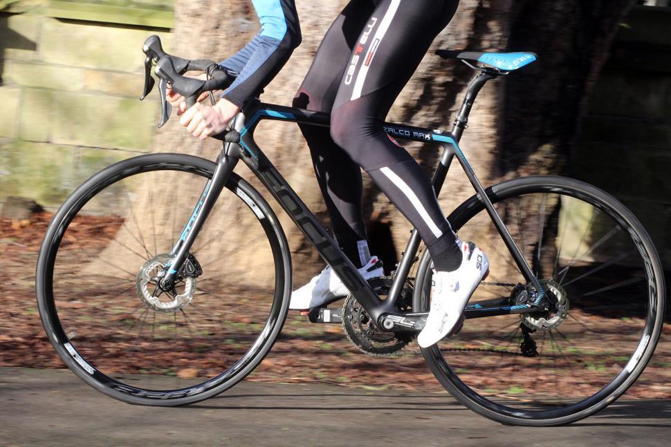 Focus Izalco Max - riding 2.jpg