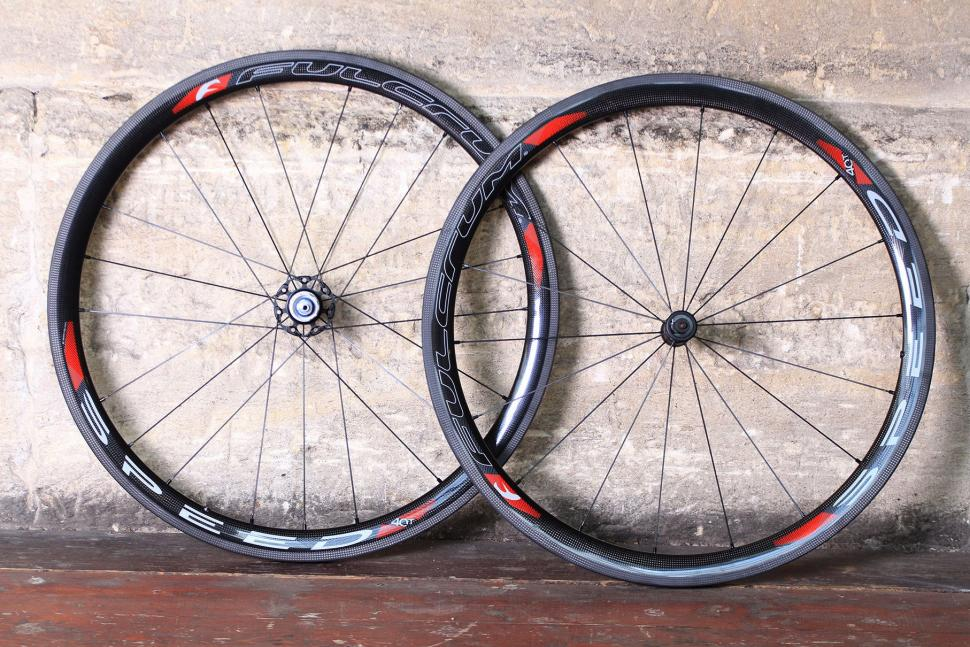 Review Fulcrum Speed 40t Carbon Tubular Road Cc