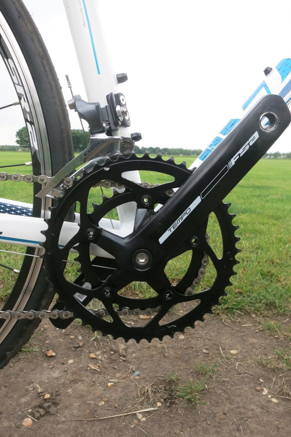 Giant Liv Avail - chainset.jpg