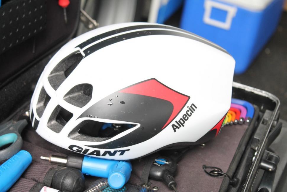 Велосипедный шлем Giant Pursuit