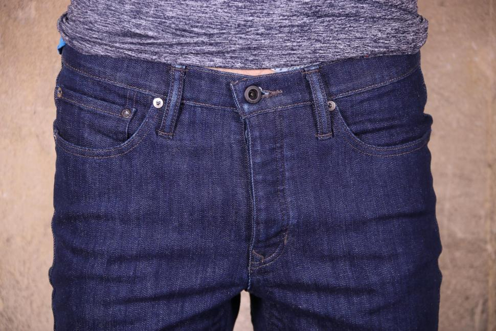 Giro Mens Transfer Denim - front pockets.jpg