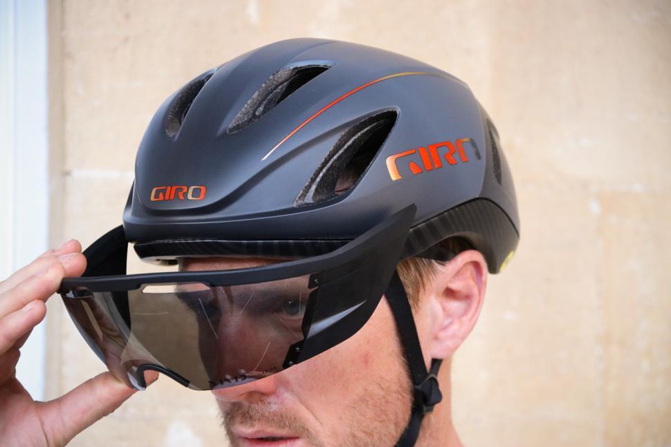Giro Vanquish helmet - with glasses attaching.jpg