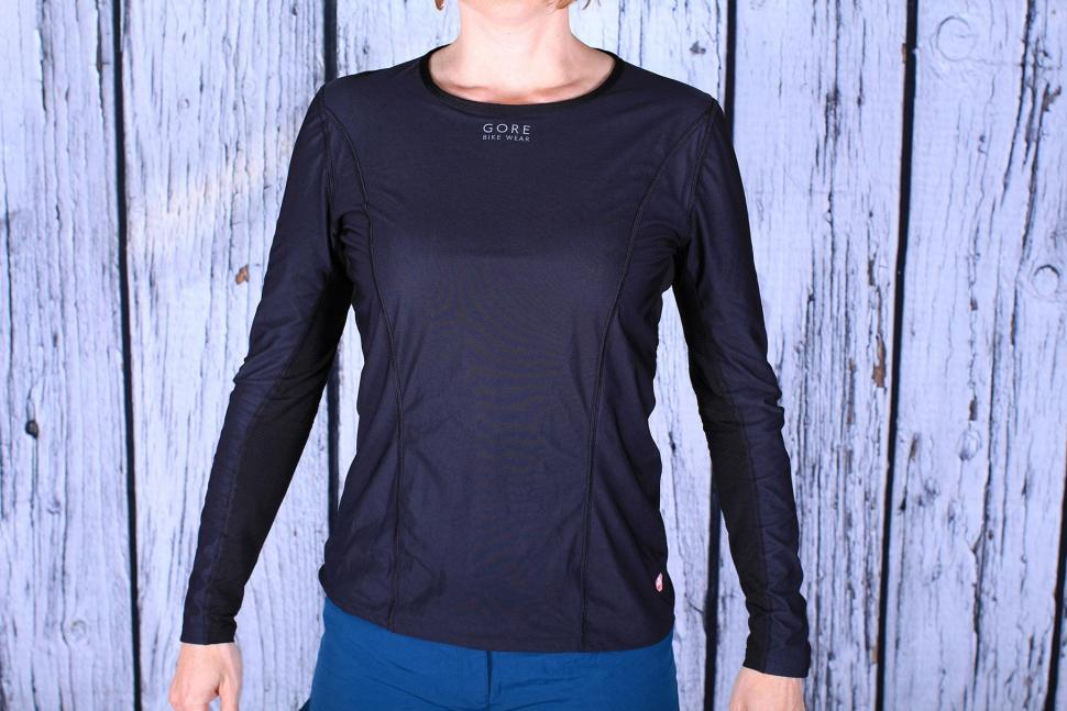 Review Gore Base Layer Windstopper Shirt Long Road Cc