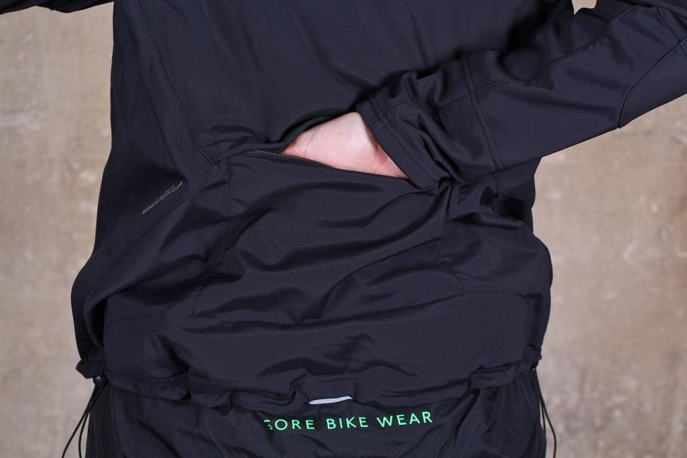 Gore Bike Wear Mens Power Trail Windstopper Soft Shell Jacket - back pocket.jpg