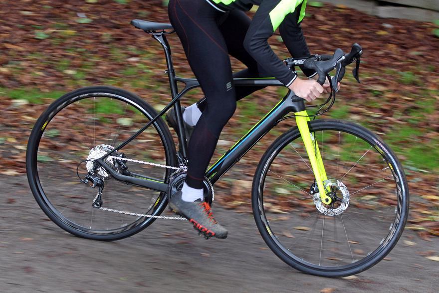 grade-carbon-ultegra-riding-1.jpg