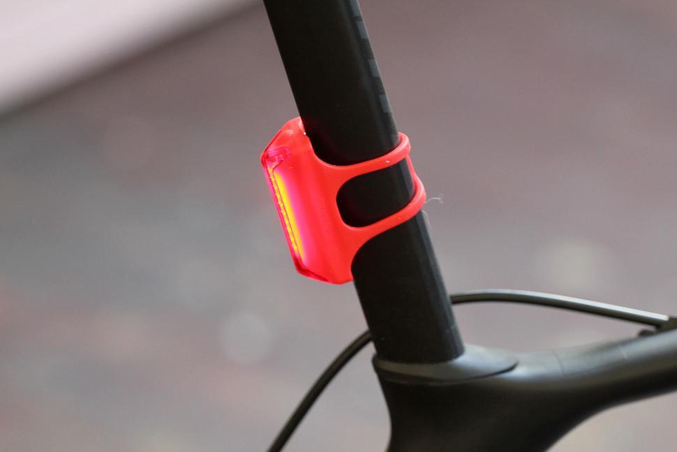 Guee COB-X Front & Rear LED Lights - rear.jpg