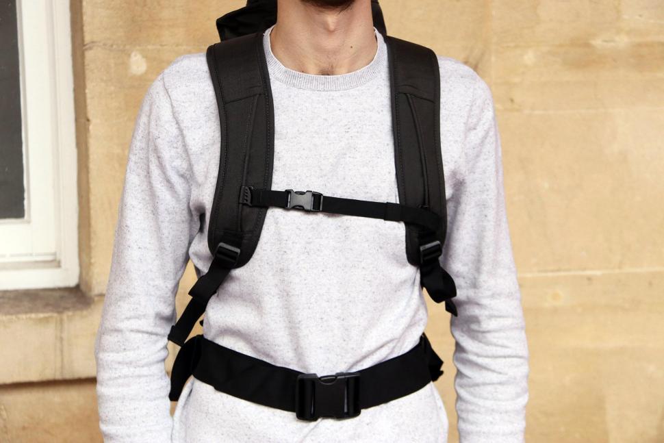 Henty Wingman Backpack - straps.jpg