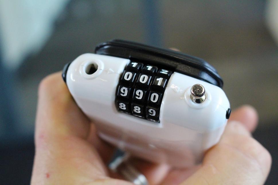 Hiplok pit stop lock - combination lock.jpg