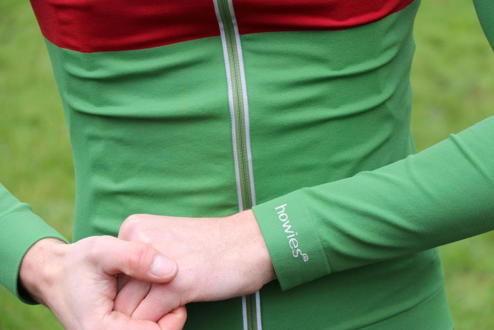 Howies Mens Llaeth LS Cycle Jersey - cuff detail.jpg