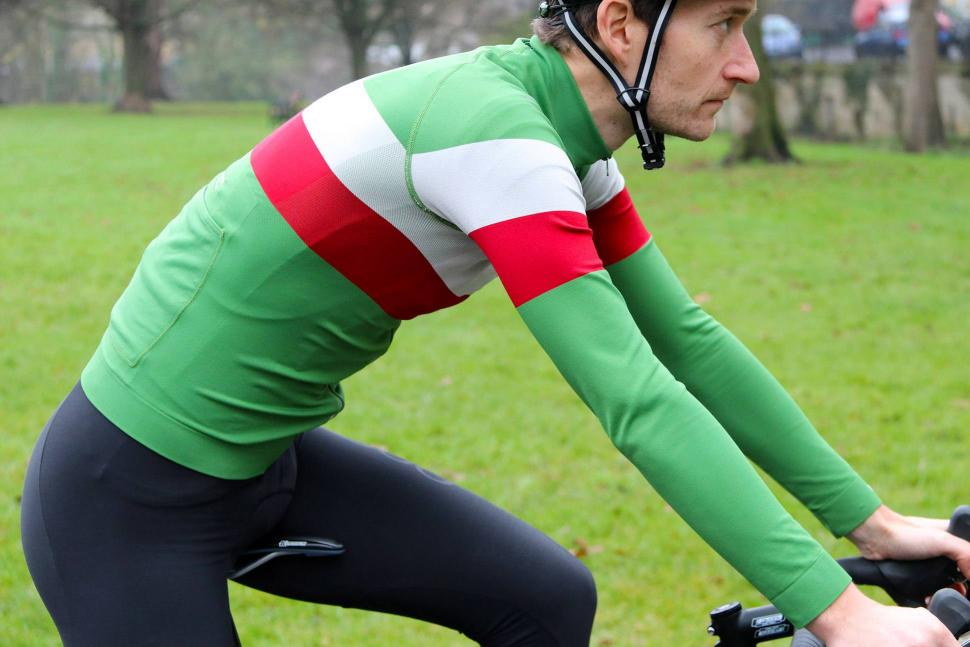 Howies Mens Llaeth LS Cycle Jersey - riding.jpg