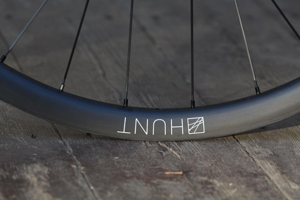 Hunt 30 Carbon Gravel Disc Wheelset - rim detail.jpg