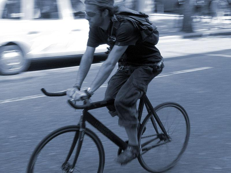 Cycle Courier © ProfDEH [Wikimedia Commons]
