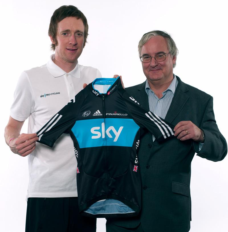 Bradley Wiggins and IG Group CEO Tim Howkins.jpg