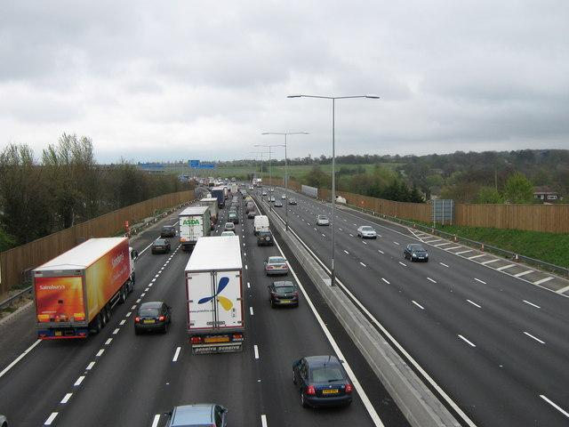 M25 queue (David Anstiss, Wiki Commons)