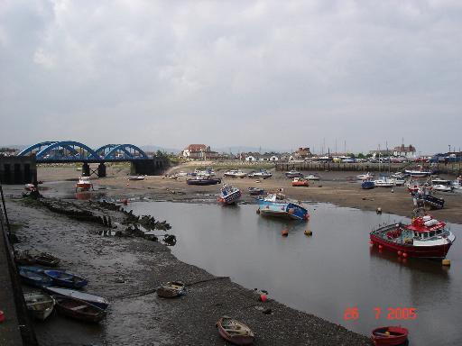 Rhyl_harbour_-_geograph_org_uk_-_30653.jpg