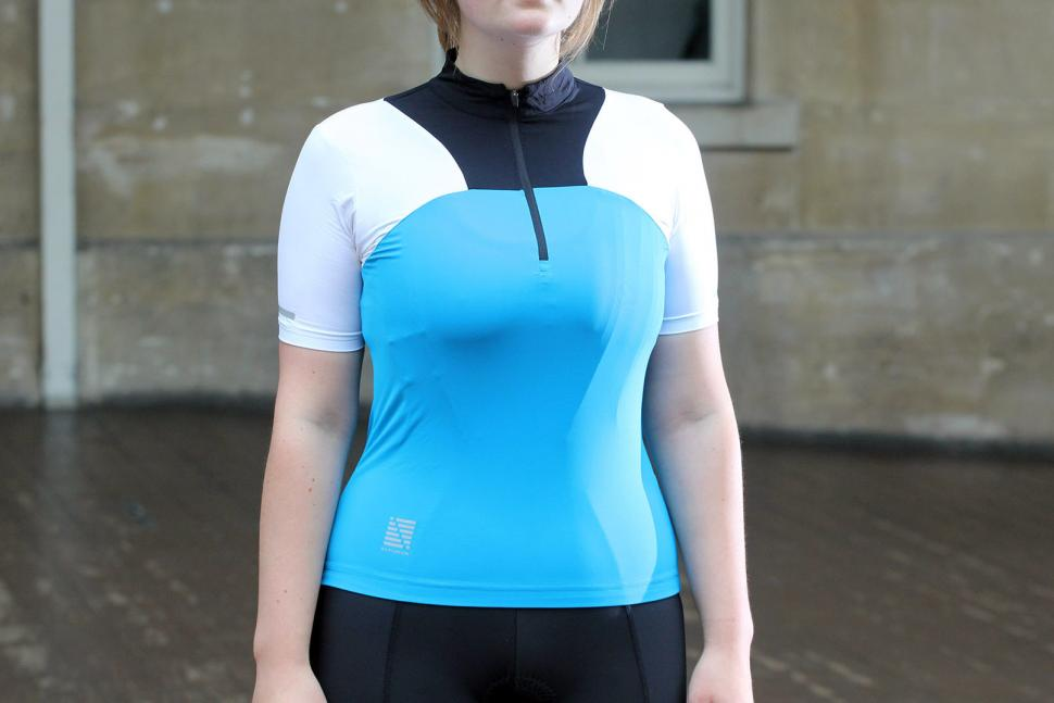 http://road.cc/sites/default/files/styles/main_width/public/images/Altura%20Womens%20Synchro%20Short%20Sleeve%20Jersey/Altura%20Womens%20Synchro%20Short%20Sleeve%20Jersey.jpg?itok=kQLVCSO_