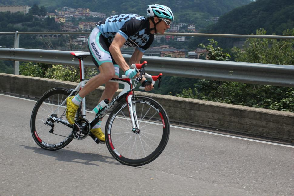 Bianchi Oltre 2012 riding 2.jpg