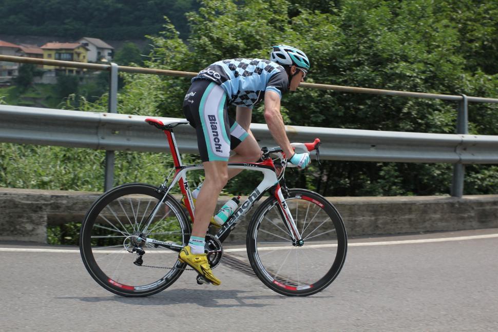 Bianchi Oltre 2012 riding 6.jpg