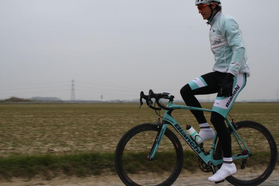 Bianchi Infinito CV - Look mum, no hands 5
