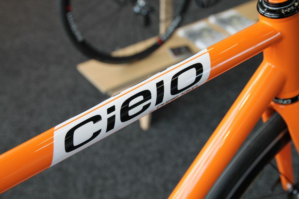 Cielo Road Racer top tube