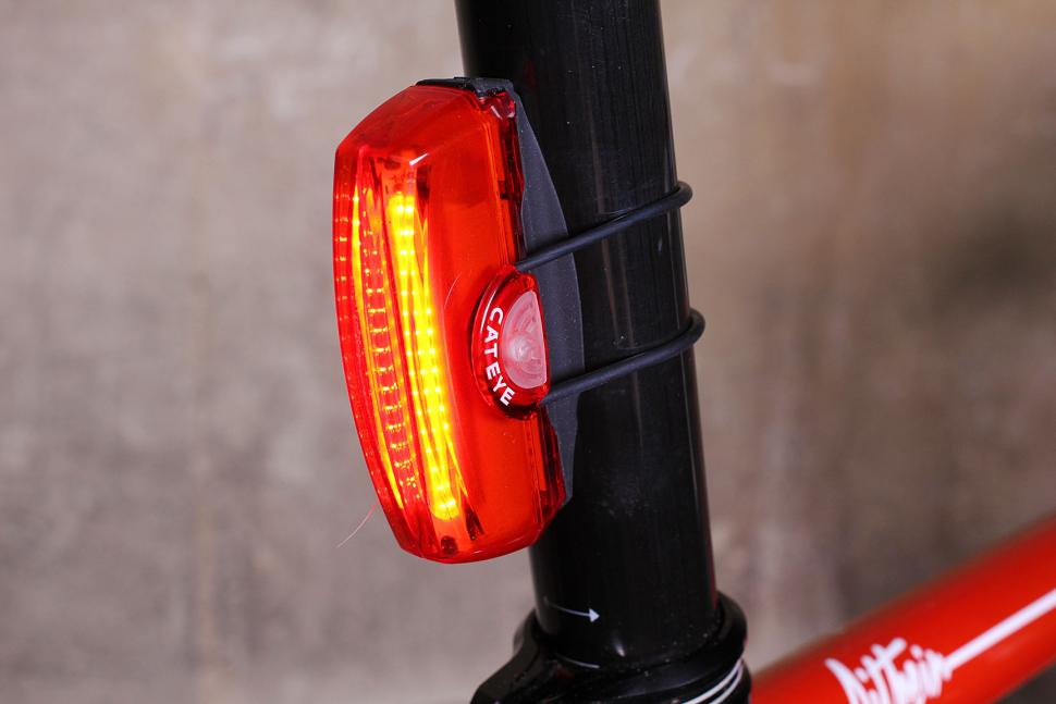 Review: Cateye Rapid X3 rear light | road.cc