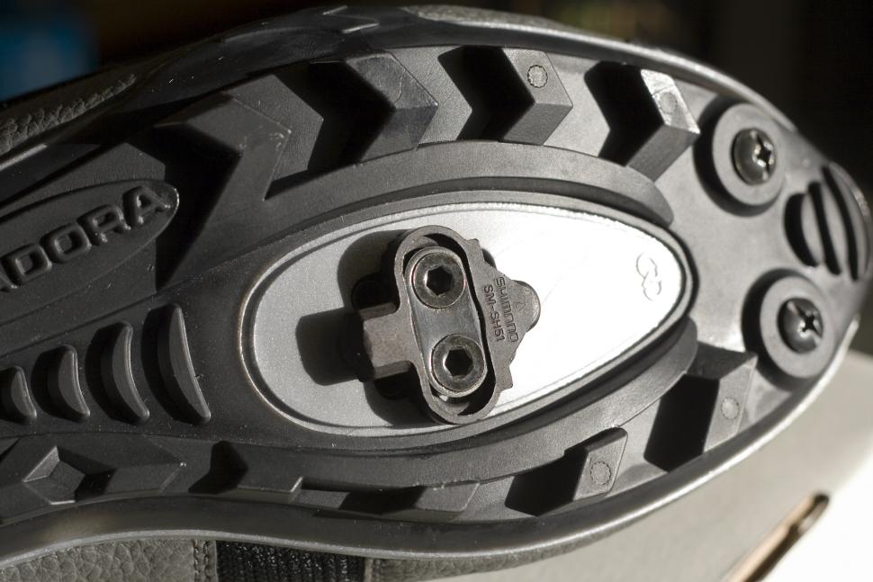 Shimano's SPD cleat is recessed into the sole of the shoe (CC BY-NC 2.0 Karlos:Flickr)