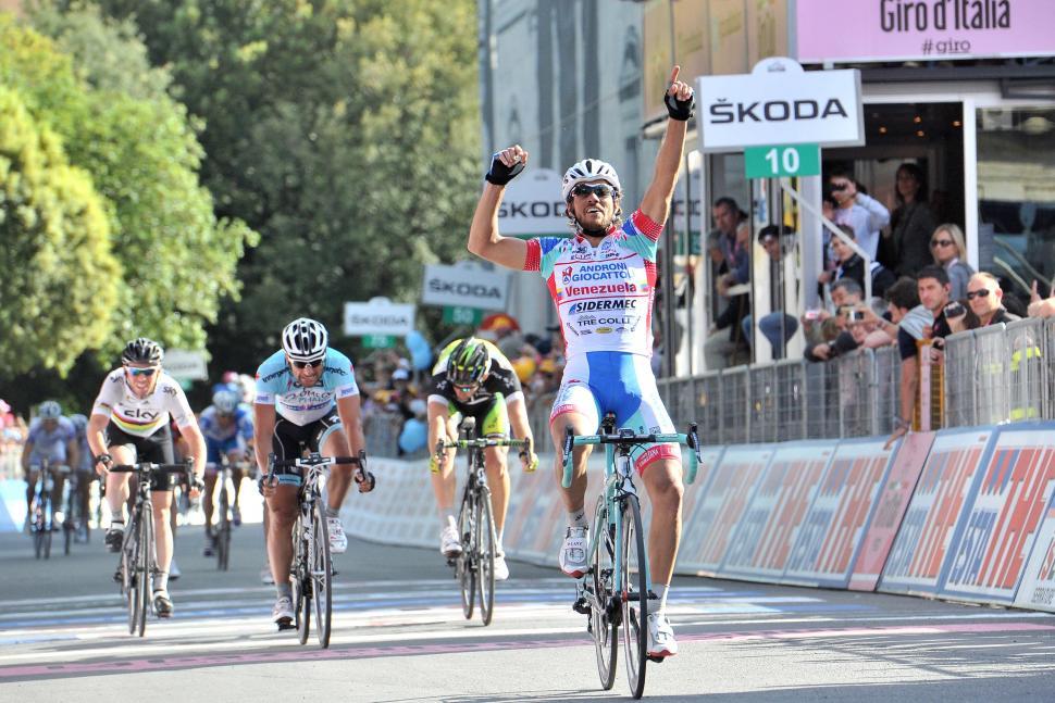 Giro 2012 S11 Roberto Ferrari wins (Daniele Badolato - LaPresse - RCS Sport)