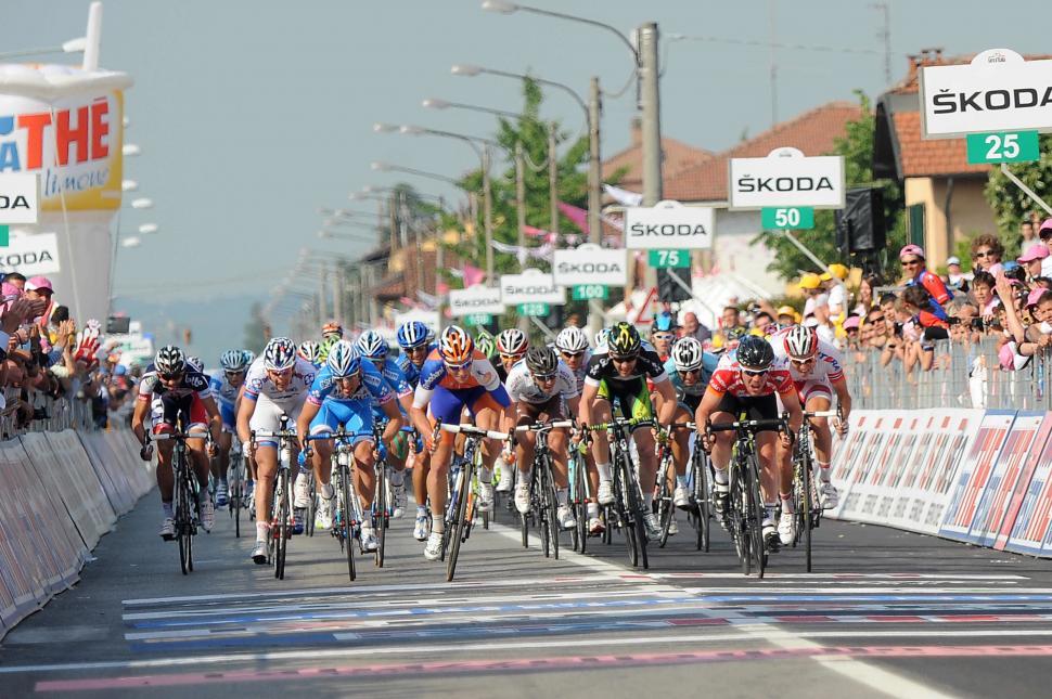 Giro 2012 S13 Mark Cavendish wins in Cervere (Fabio Ferrari - LaPresse - RCS Sport)