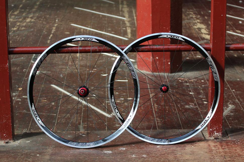 Review Halo Devaura 6d 700c Wheelset