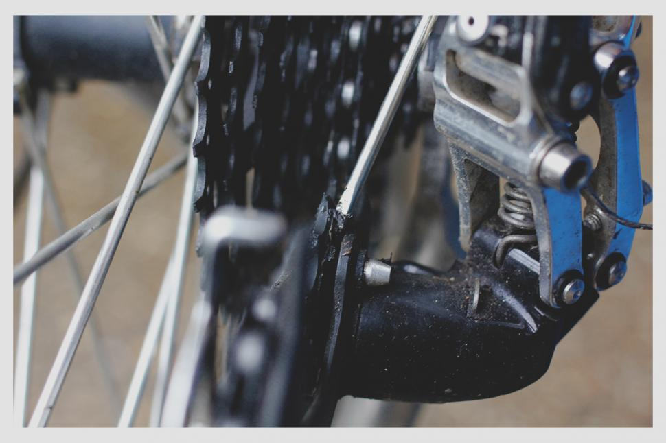 How To Clean And Lube Your Bike S Chain Road Cc