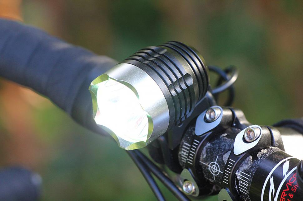 Review Cree Xm L Led Front Light