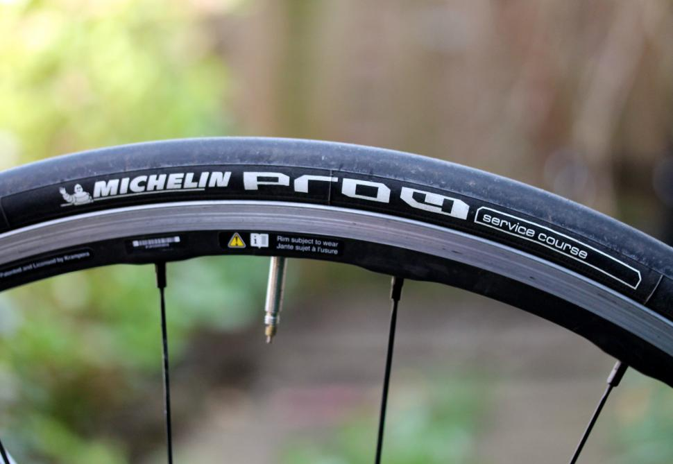 michelin pro4 service course tyre - side