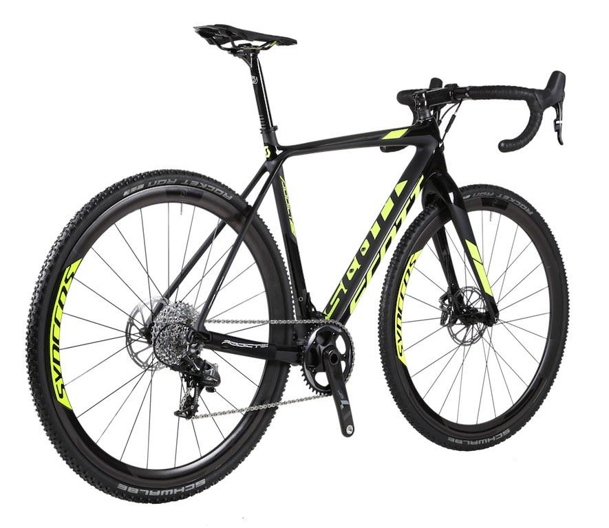 Scott launches new Addict CX with disc brakes and thru