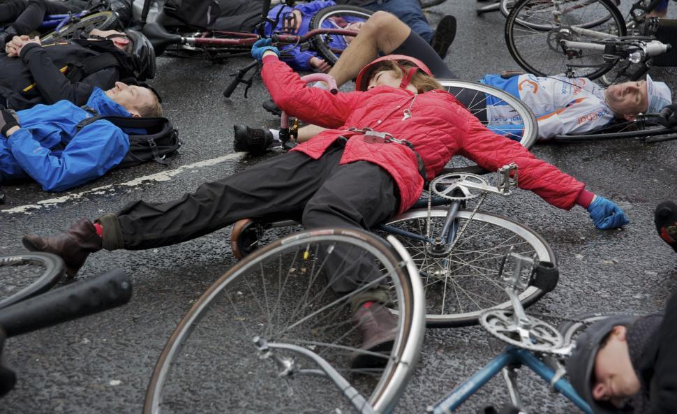 Addison Lee die-in protest (© Benjamin Hughes)