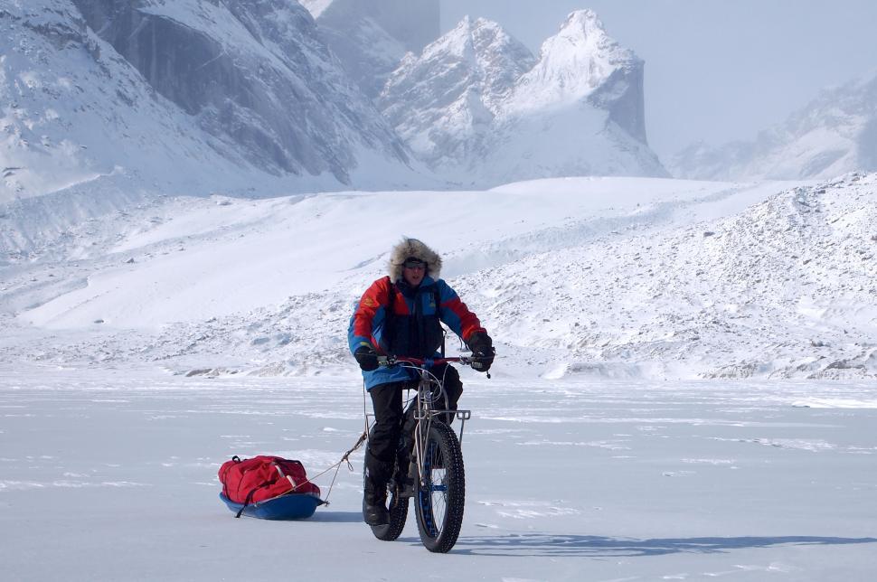 Ben Rockett rides across Baffin Island (©Ben Rockett rockettrides.com)
