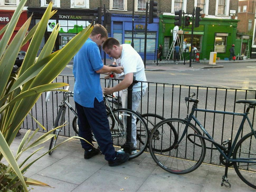 Bike thieves stealing James Jones Specialized.jpg