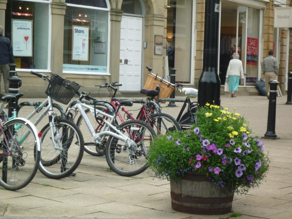 Bikes in Harrogate (licensed on Flickr under CC BY 2.0 by Tejvan Pettinger)