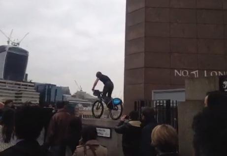 Tim Schieff rides London Bridge handrail