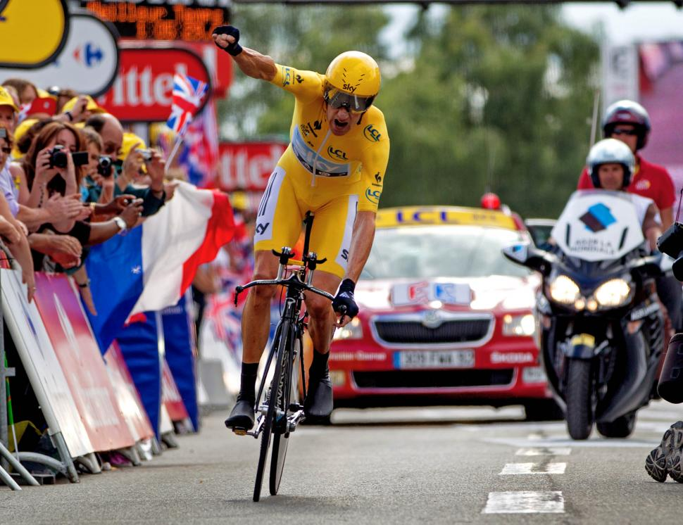 Bradley Wiggins punches the air after winning TdF stage 19 TT and the race ©Photosport Internatinal