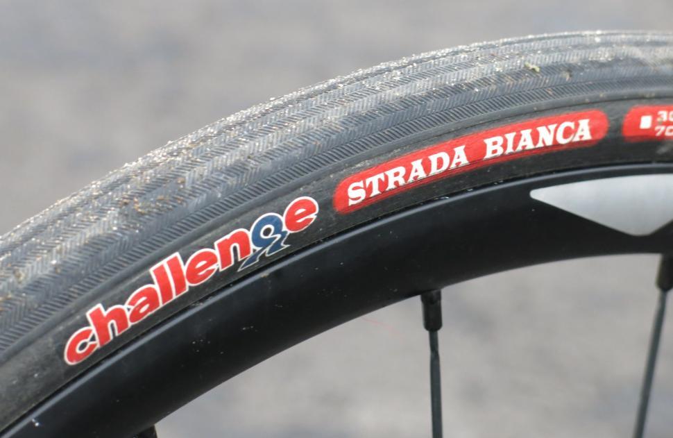 Neumáticos de carretera Challenge Strada Bianca 700C 30mm