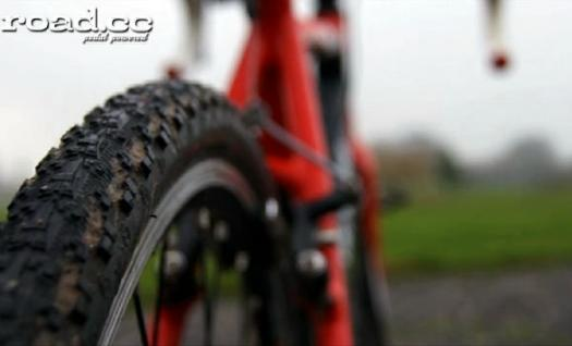 Cyclocross tyre.png