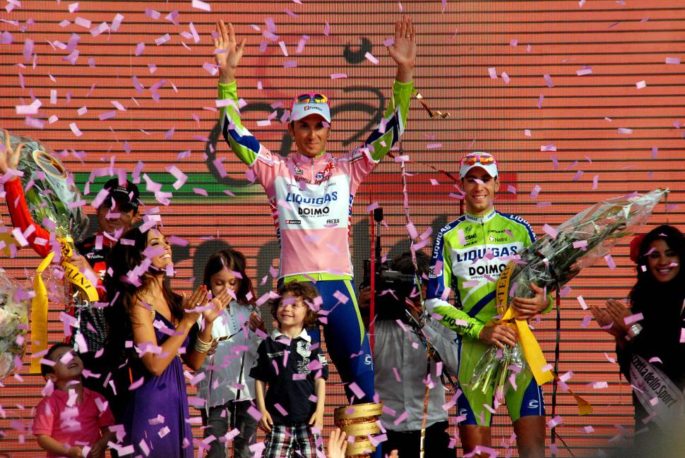 Giro d Italia 2010 podium (© Photosport International)