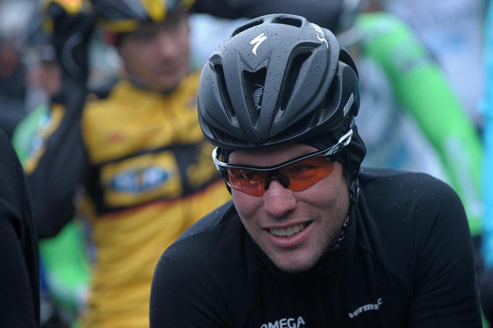 Mark Cavendish Specialized road aero helmet