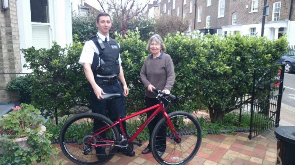Metropolitan Police reunite owner with stolen bike