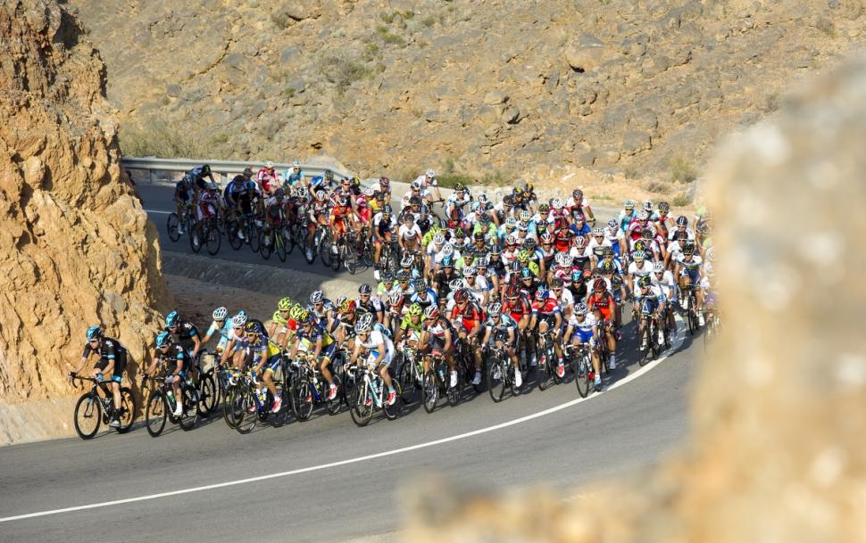Peloton on 2013 Tour of Oman Stage 3 (Credit- Lloyd Images:Muscat Municipality)