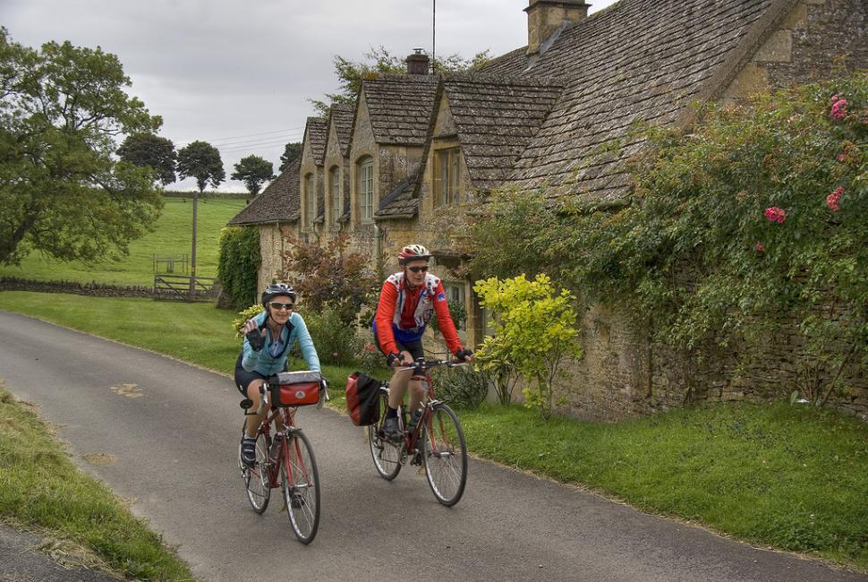 Riding in the Cotswolds (CC licensed image by Chris Juden via Flickr)