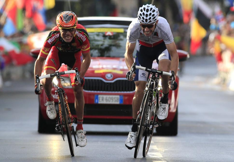 Rui Costa wins 2013 road worlds from Joaquin Rodriguez (picture Toscana 2013)