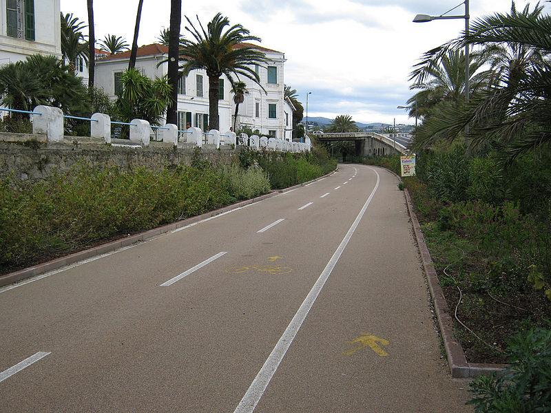 San Remo cycle path (licensed by Gary Cycles on Flickr under CC-BY-SA 2.0)