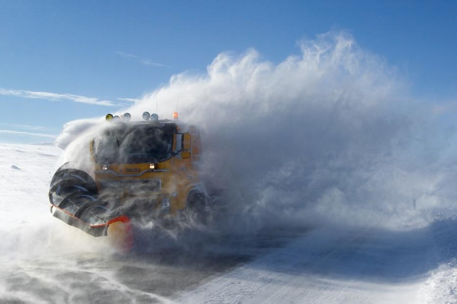 Snowplough in Norway (image cropped, CC licensed by Kabelleger on Flickr)
